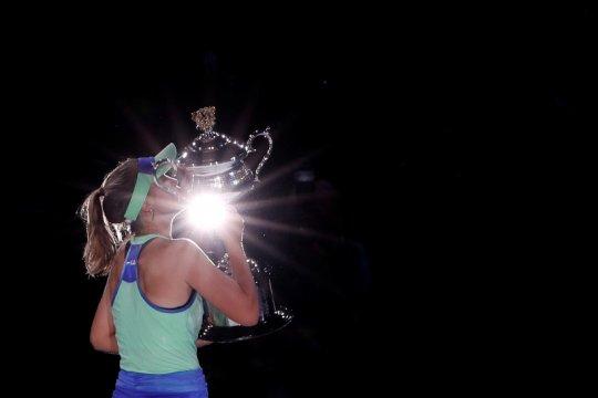 Sofia Kenin dinobatkan sebagai pemain terbaik WTA