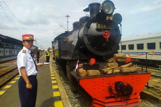 Sukses direstorasi, lokomotif uap produksi tahun 1921 dioperasikan untuk KA Jaladara