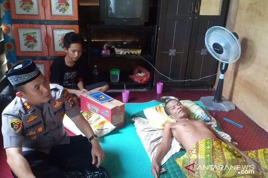 Kapolres Bangka Barat salurkan bantuan sembako kepada penderita syaraf