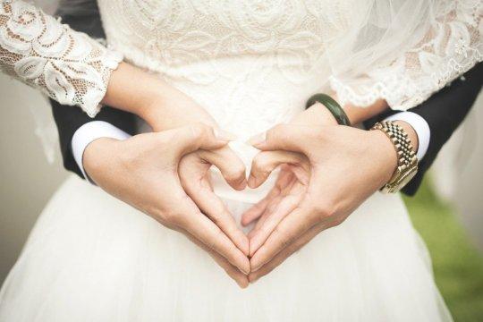 Pasangan India menikah di pesawat untuk menghindari pembatasan