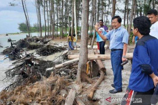 Wagub Babel tinjau abrasi di destinasi wisata Pantai Serdang