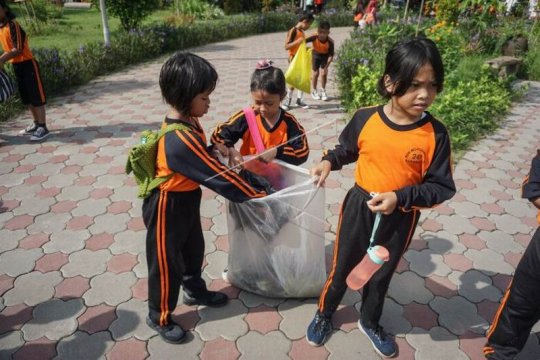 Hari peduli sampah nasional Page 2 Small