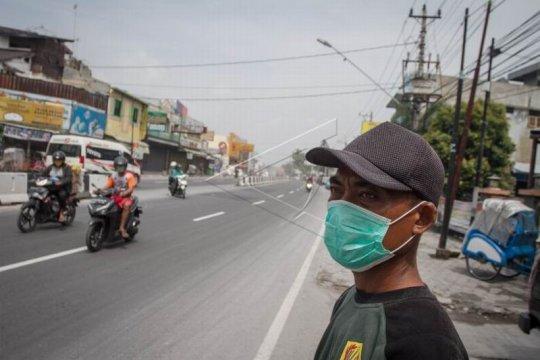 Hujan abu akibat erupsi Gunung Merapi Page 2 Small