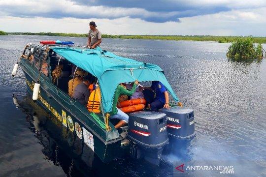 Gubernur Kalteng tinjau lokasi kecelakaan lalu lintas air di Sungai Sebangau Page 2 Small