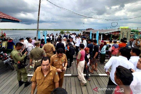 Gubernur Kalteng tinjau lokasi kecelakaan lalu lintas air di Sungai Sebangau Page 4 Small