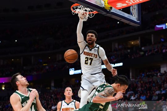 NBA:  Denver Nuggets  vs  Milwaukee Bucks
