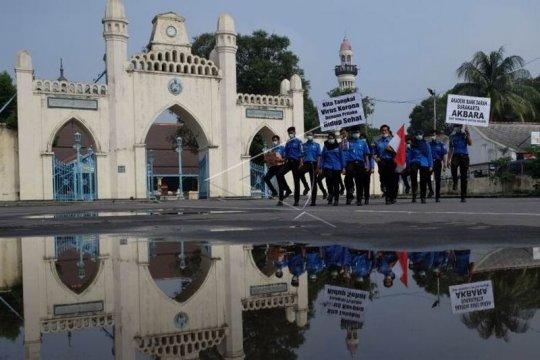 Aksi membersihkan masjid Page 2 Small