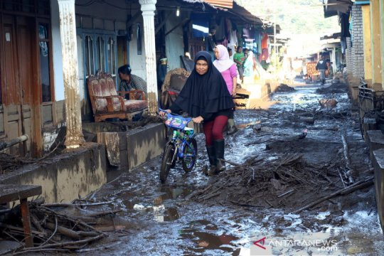 Ratusan rumah tertimbun akibat banjir bandang Bondowoso