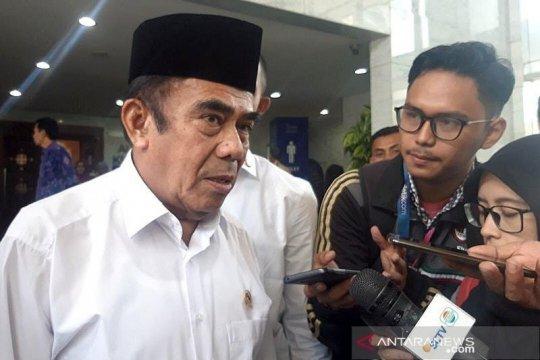 Menag Fachrul Razi imbau pelaksanaan shalat Idul Fitri di rumah saja