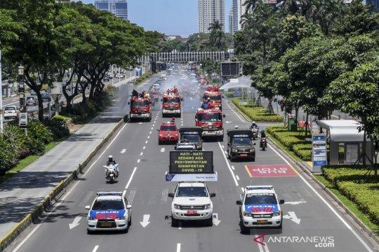 Jalan protokol Ibu Kota Jakarta disemprot disinfektan