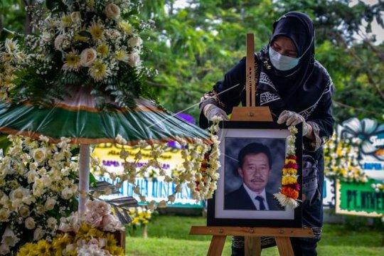 Pemakaman Bob Hasan Page 2 Small