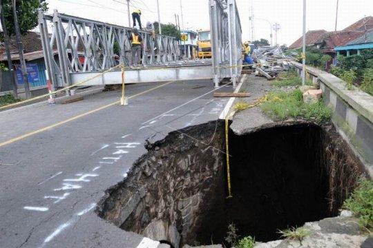 Pemasangan jembatan bailey Page 1 Small