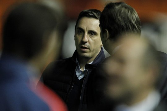 Gary Neville sindir Liga Premier dan klub-klubnya tak bertanggung jawab