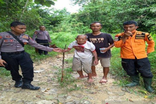 Tim SAR temukan kakek 100 tahun yang hilang di hutan