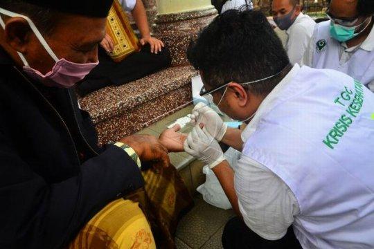Pemeriksaan cepat  COVID-19 jamaah masjid Page 2 Small