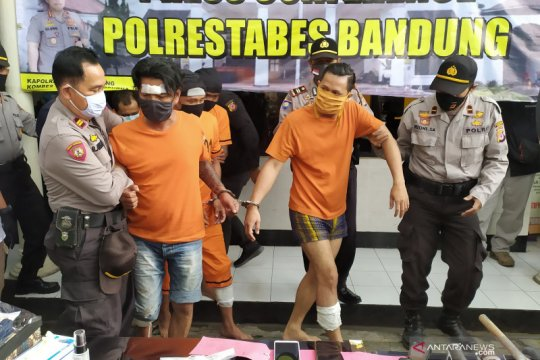 Polisi tangkap dua napi asimilasi kembali lakukan kejahatan di Bandung