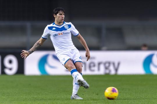 Roma meraih kemenangan tiga gol tanpa balas di markas Brescia