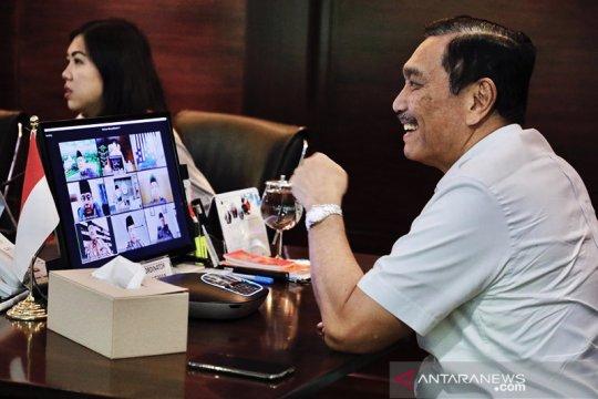 Luhut  Binsar Pandjaitan menegaskan dirinya tidak mempunyai akun di media sosial Twitter