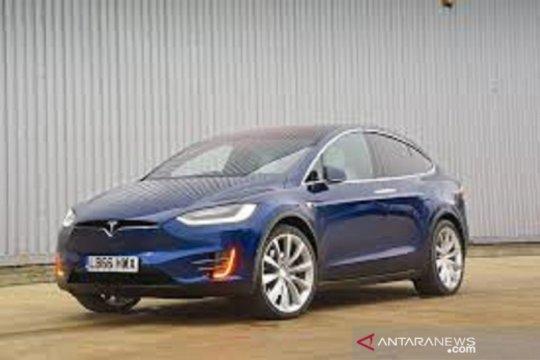 China produksi baterai mobil listrik yang diklaim tahan 2 juta km