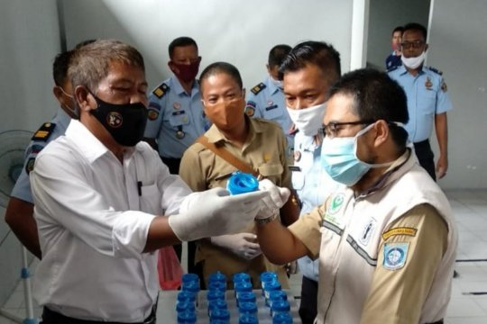 Petugas dan warga binaan Rutan Mentok jalani tes urine