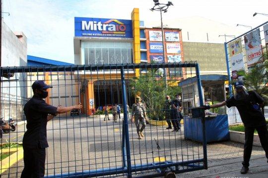 Tiga karyawan positif COVID-19, Pemkot Bogor tutup sementara sebuah supermarket bangunan