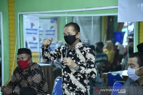Bupati Bangka salurkan bansos 1.064 paket sembako