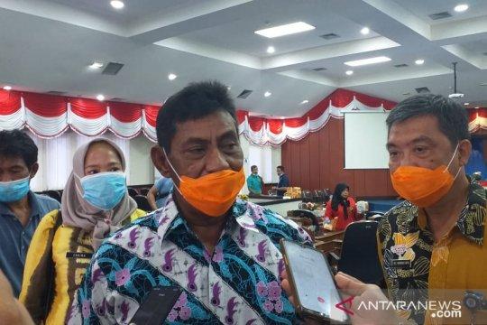 Seorang penjaga toko pakaian di Belitung positif COVID-19