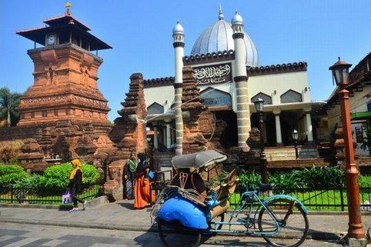 Wisata religi Masjid Menara Kudus Page 1 Small
