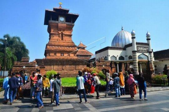 Wisata religi Masjid Menara Kudus Page 2 Small