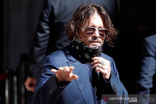 Johnny Depp diserang Amber Heard saat mengetahui uangnya hilang