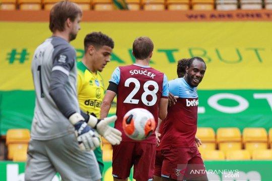 Michail Antonio borong empat gol, West Ham kirim Norwich terdegdarasi