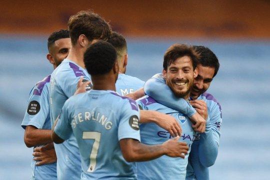 Manchester City  lolos dari sanksi UEFA