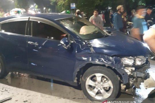 Seorang mahasiswi pengendara mobil tabrak dua orang hingga tewas dan satu luka