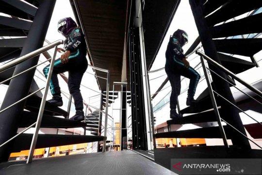 Lewis Hamilton rebut pole position ketujuhnya di sirkuit Silverstone
