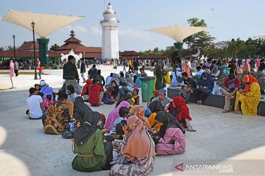 Wisatawan nikmati libur Idul Adha di Serang