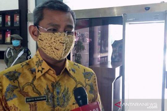 Plt Wali Kota Medan positif COVID-19  pegawai  jalani tes swab