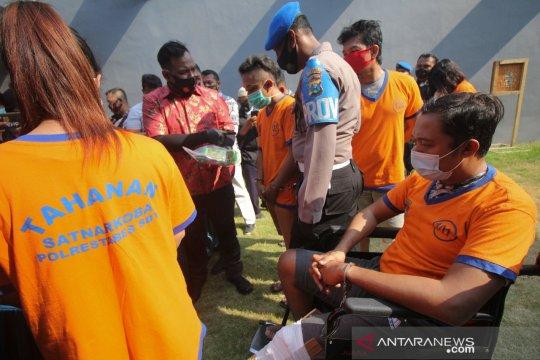 Dua oknum polisi di Bangkalan dan Magetan terlibat peredaran narkoba