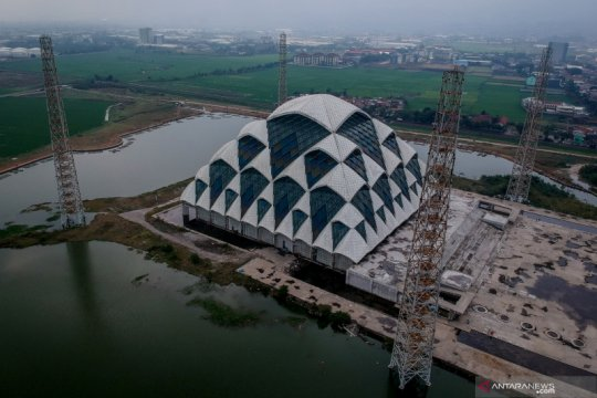 Pembangunan masjid apung pertama di Jawa Barat terkendala pandemi