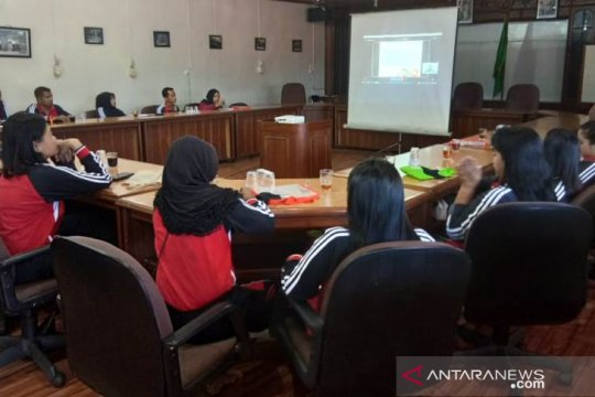 Ratusan guru di Kalimantan dan Papua berpartisipasi dalam lokakarya virtual edukasi pencegahan karhutla