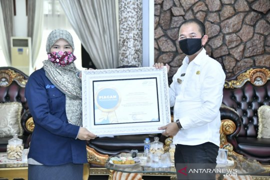 Pemkab Bangka terima piagam penghargaan dari BPS