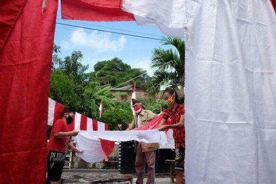 Mencuci bendera Merah Putih Page 2 Small