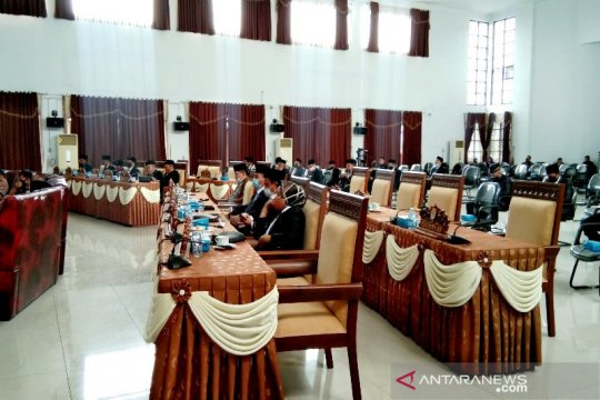 Anggota DPRD Seruyan banyak tak hadir paripurna istimewa