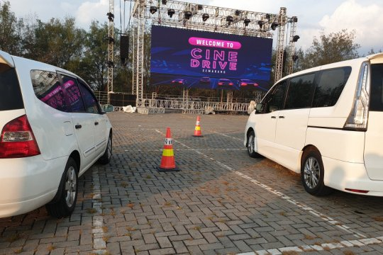 Cinema Drive In, nonton film aman dari dalam mobil
