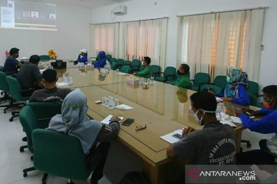 Manfaatkan teknologi konfrensi, Sinar Mas Agribusiness and Food bantu guru edukasi pencegahan Karhutla