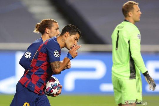 Pemain Barcelona Luis Suarez resmi pindah ke Atletico Madrid