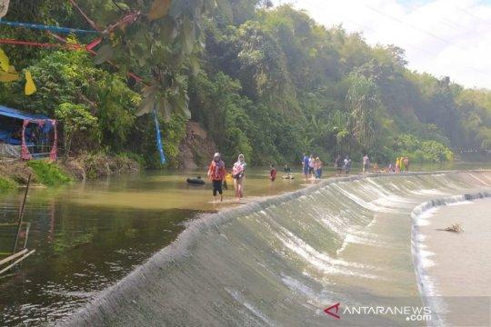 """Menikmati """"weekend"""" di Bendungan Padang Segaro Bengkulu Tengah"""
