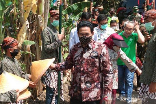 Menteri Desa mendorong penguatan ketahanan pangan dari desa