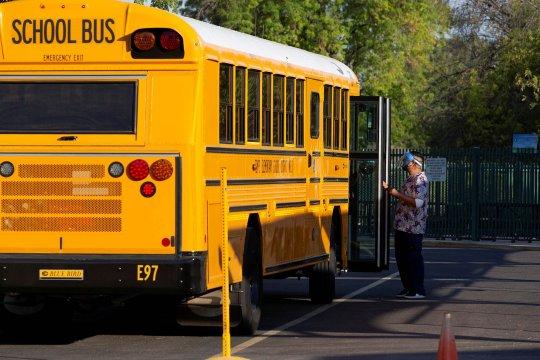 Sekolah-sekolah AS bakal buka kembali di tengah pandemi
