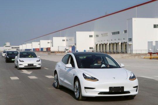 Tesla cekcok dengan e-commerce China YiAuto