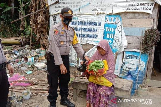 Polres Bangka Barat salurkan bantuan sembako dan sayur mayur